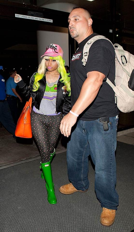 "Pop star Nicki Minaj made sure the paparazzi couldn't miss her while arriving for a flight at Los Angeles International Airport on Labor Day. SPW/<a href=""http://www.splashnewsonline.com"" target=""new"">Splash News</a> - September 5, 2011"