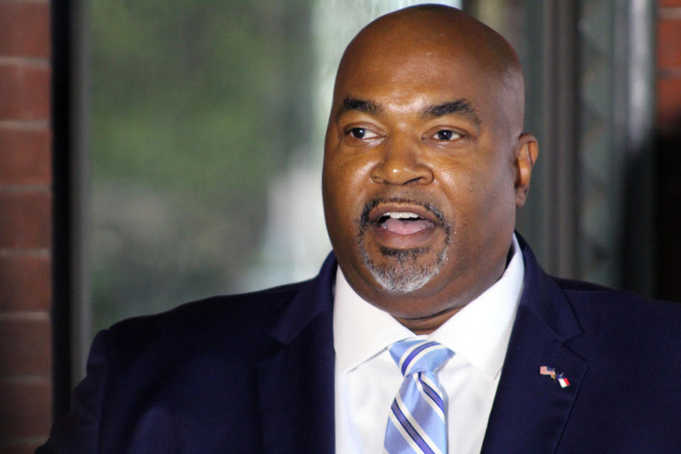 """North Carolina Republican Lt. Gov. Mark Robinson speaks during a news conference Tuesday, Oct. 12, 2021 in Raleigh, N.C. North Carolina Republican Lt. Gov. Mark Robinson on Tuesday again declined to apologize for remarks he made in June criticizing sexual education in public schools and likening gay and transgender people to """"filth.""""(AP Photo/Bryan Anderson)"""