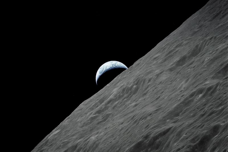 Scientists Found a Cave House in Moon for Astronauts