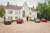 """<p>This magnificently designed 1920s' house in the south of Cardiff is both homely and decadent, occupying a prime spot on Penarth's Marine Parade and affording views across the Bristol Channel. </p><p>Previous guests have described the property as """"bohemian"""", """"sumptuous"""" and """"quirky"""", with a holistic spa, gym and a large hydrotherapy pool. </p><p>As well as a relaxed outdoor bar - ideal for relaxing after a day of exploring during the warmer months - <a href=""""https://go.redirectingat.com?id=127X1599956&url=https%3A%2F%2Fwww.booking.com%2Fhotel%2Fgb%2Fholm-house.en-gb.html%3Faid%3D2070929%26label%3Dboutique-hotels-cardiff&sref=https%3A%2F%2Fwww.redonline.co.uk%2Ftravel%2Finspiration%2Fg34759204%2Fboutique-hotels-cardiff%2F"""" rel=""""nofollow noopener"""" target=""""_blank"""" data-ylk=""""slk:Holm House"""" class=""""link rapid-noclick-resp"""">Holm House</a> guests can enjoy at a nightcap in the wood-clad bar, before retreating to freshly decorated bedrooms. </p><p><a class=""""link rapid-noclick-resp"""" href=""""https://go.redirectingat.com?id=127X1599956&url=https%3A%2F%2Fwww.booking.com%2Fhotel%2Fgb%2Fholm-house.en-gb.html%3Faid%3D2070929%26label%3Dboutique-hotels-cardiff&sref=https%3A%2F%2Fwww.redonline.co.uk%2Ftravel%2Finspiration%2Fg34759204%2Fboutique-hotels-cardiff%2F"""" rel=""""nofollow noopener"""" target=""""_blank"""" data-ylk=""""slk:CHECK AVAILABILITY"""">CHECK AVAILABILITY</a></p>"""