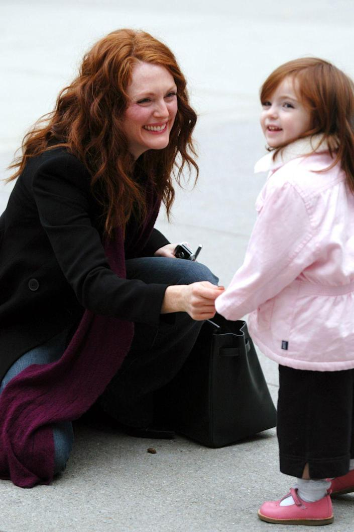 <p>The daughter of Julianne Moore and director Bart Freundlich was born on April 11, 2002.</p>