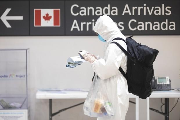Thousands still flying into Canadian airports amid COVID-19 restrictions