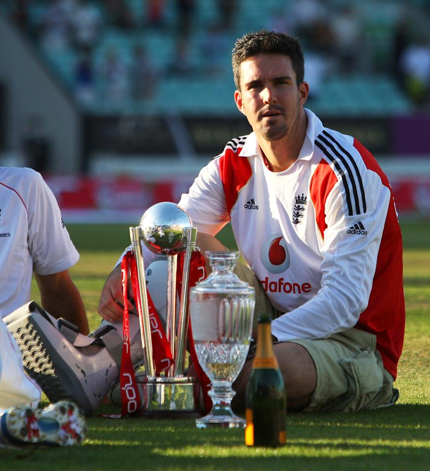 Kevin Pietersen of England looks on after England's victory during day four of the npower 5th Ashes Test Match between England and Australia at The Brit Oval on August 23, 2009 in London, England.  (Photo by Tom Shaw/Getty Images) *** Local Caption *** Kevin Pietersen
