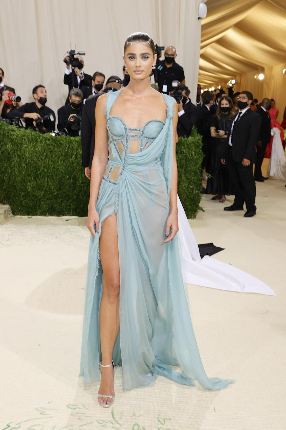 """<h1 class=""""title"""">Taylor Hill, The 2021 Met Gala Celebrating In America: A Lexicon Of Fashion - Arrivals</h1><cite class=""""credit"""">Getty</cite>"""