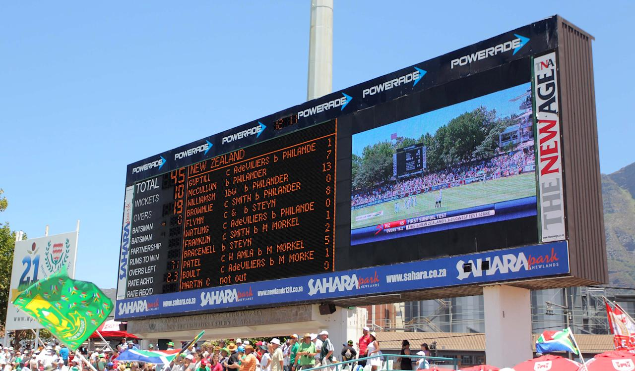 CAPE TOWN, SOUTH AFRICA - JANUARY 02: General View of the scoreboard during day 1 of the 1st Test between South Africa and New Zealand at Sahara Park Newlands on January 02, 2013 in Cape Town, South Africa. (Photo by Carl Fourie/Gallo Images/Getty Images)