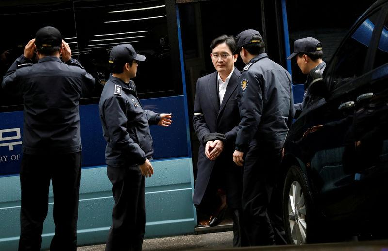 FILE PHOTO: Samsung Group chief, Jay Y. Lee arrives at the office of the independent counsel team in Seoul