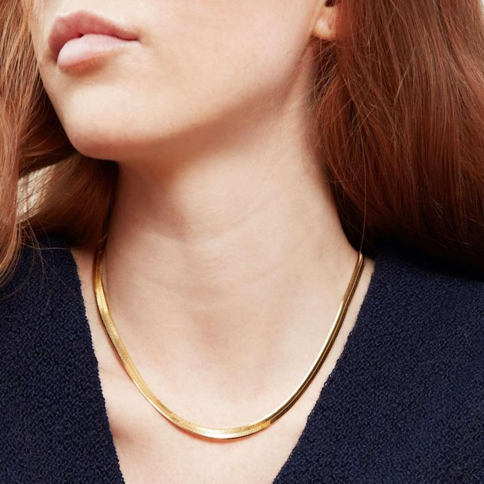 gold herringbone chain necklace, best Christmas gifts for her