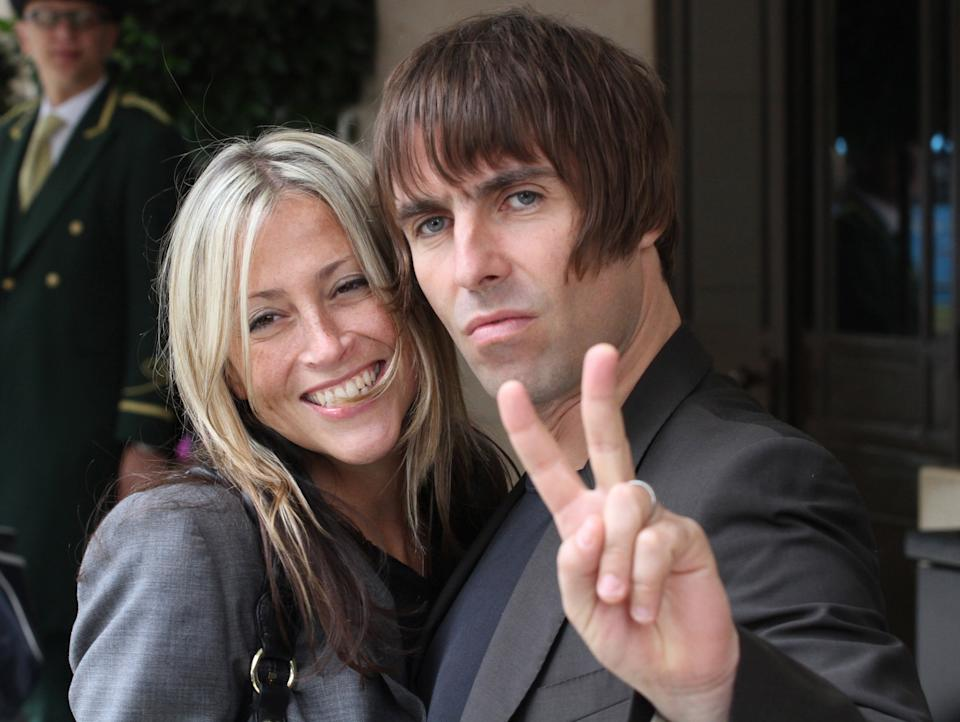 LONDON, UNITED KINGDOM - JULY 17: Liam Gallagher and Nicole Appleton (L) sighted arriving at their hotel on July 17, 2010 in London, England. (Photo by Simon James/FilmMagic)