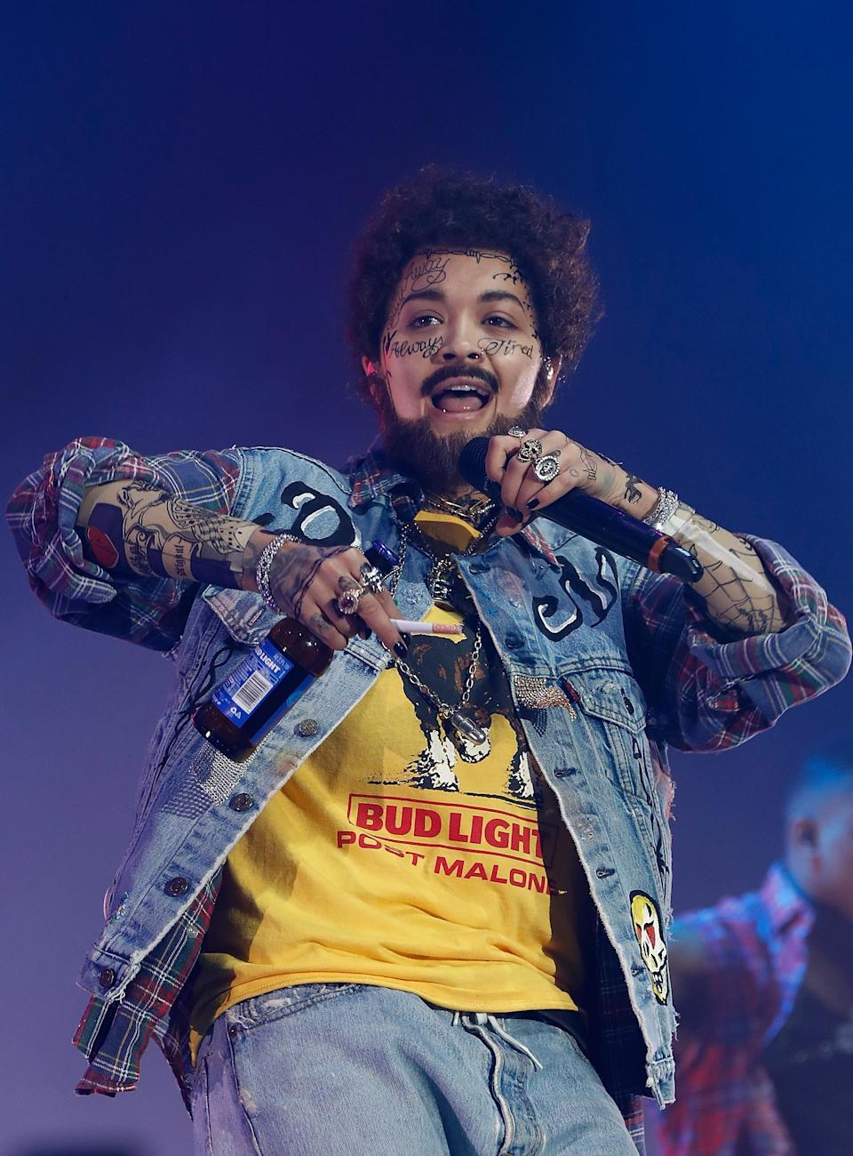 <p>Singer Rita Ora blew fans away, as she took to the stage at the KISS Haunted House Party 2018 dressed as rapper Post Malone. <em>[Photo: Getty]</em> </p>