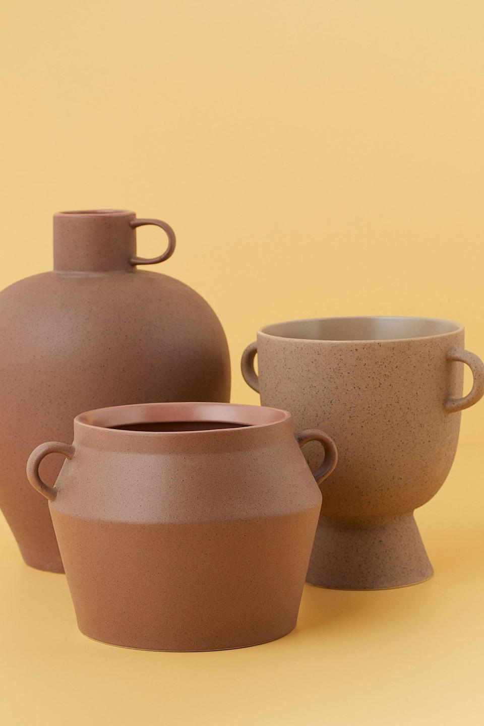 <p>This <span>H&amp;M Stoneware Plant Pot</span> ($20) would look so cool in your space.</p>