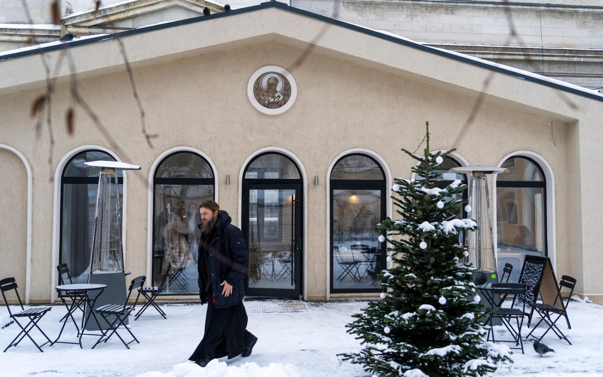 Russian orthodox church makes unorthodox pitch to youth by courting Moscow's hipsters