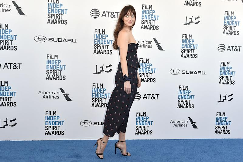 SANTA MONICA, CA - FEBRUARY 23: Dakota Johnson attends the 2019 Film Independent Spirit Awards on February 23, 2019 in Santa Monica, California. (Photo by David Crotty/Patrick McMullan via Getty Imagess)