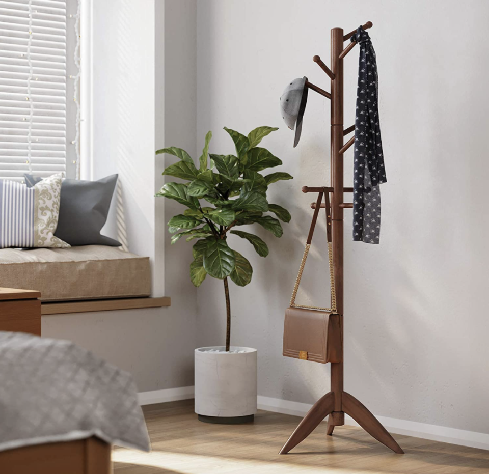 VASAGLE Solid Wood Coat Rack (Photo: Amazon)
