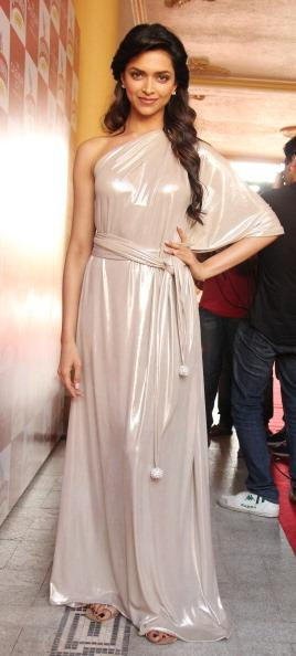 Deepika Padukone at the launch of 2011 Kingfisher Calender