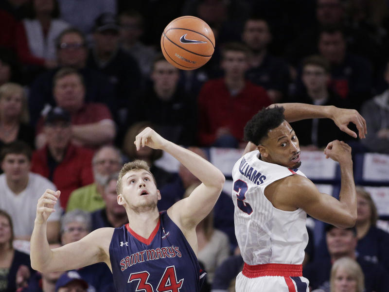 Saint Mary's squeaks past No. 13 Gonzaga, 74-71