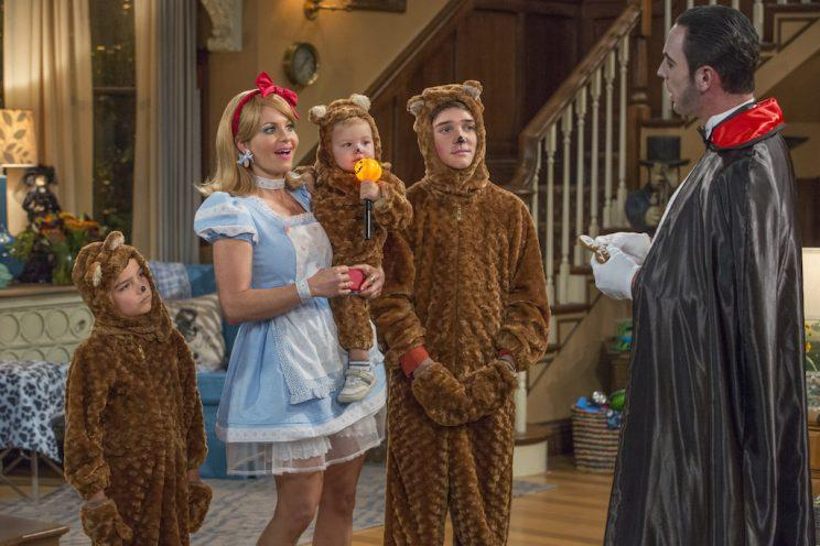 Baby Tommy, center, in 'Fuller House' Season 2 (Credit: Michael Yarish/Netflix)
