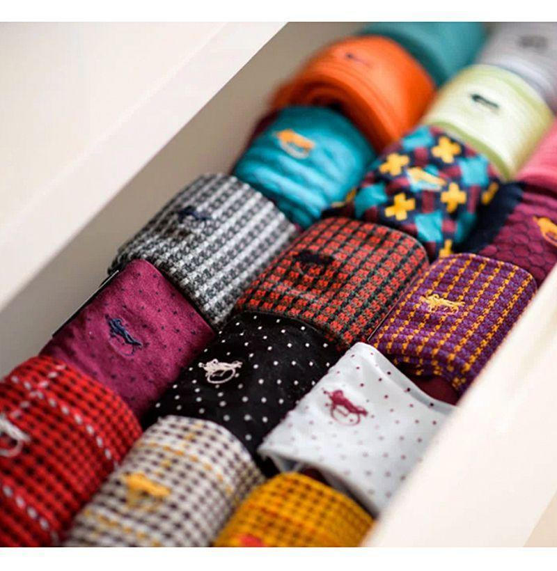 """<p><strong>London Sock Co.</strong></p><p>londonsockcompany.com</p><p><strong>$45.00</strong></p><p><a href=""""https://go.redirectingat.com?id=74968X1596630&url=https%3A%2F%2Fwww.londonsockcompany.com%2Fsock-club%2F&sref=https%3A%2F%2Fwww.esquire.com%2Flifestyle%2Fg19735637%2Flast-minute-fathers-day-gifts-ideas%2F"""" rel=""""nofollow noopener"""" target=""""_blank"""" data-ylk=""""slk:Buy"""" class=""""link rapid-noclick-resp"""">Buy</a></p><p>For the dad who knows sartorial excellence comes down to always having <a href=""""https://www.esquire.com/style/mens-accessories/g26143154/types-of-socks/"""" rel=""""nofollow noopener"""" target=""""_blank"""" data-ylk=""""slk:good socks"""" class=""""link rapid-noclick-resp"""">good socks</a>.</p>"""