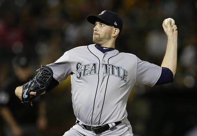 "Mariners pitcher <a class=""link rapid-noclick-resp"" href=""/mlb/players/9331/"" data-ylk=""slk:James Paxton"">James Paxton</a> getting ready to throw a pitch, and not practicing his birthday dance. (AP Photo)"