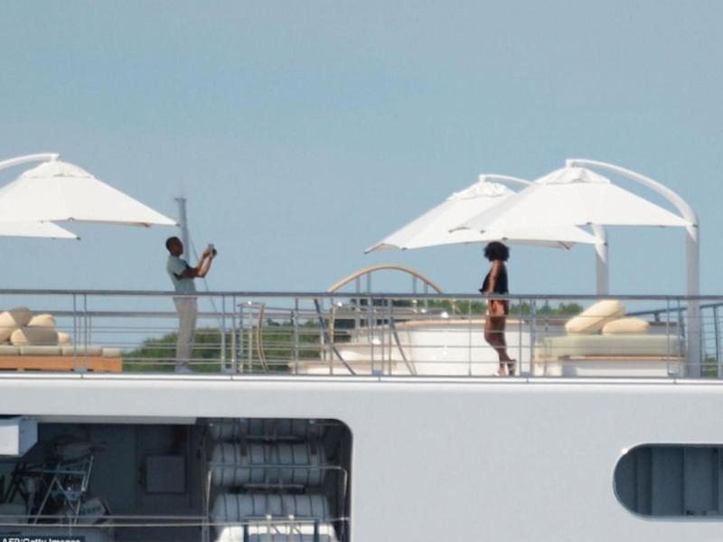 Former President and First Lady relax on holiday: AFP