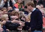 <p>Prince William took time to shake hands with well-wishers as crowds gathered when he arrived at St. Andrews University ahead of his course.</p>