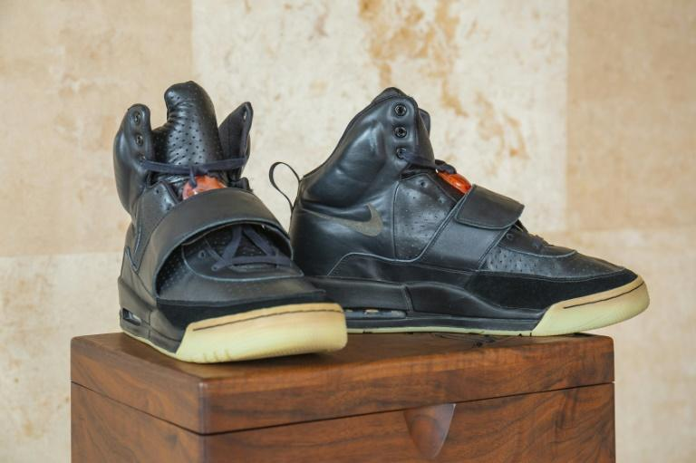 The fractional ownership platform Rares will list a pair of Nike Air Yeezy 1, which it acquired for a record-breaking $1.8 million in late April 2021