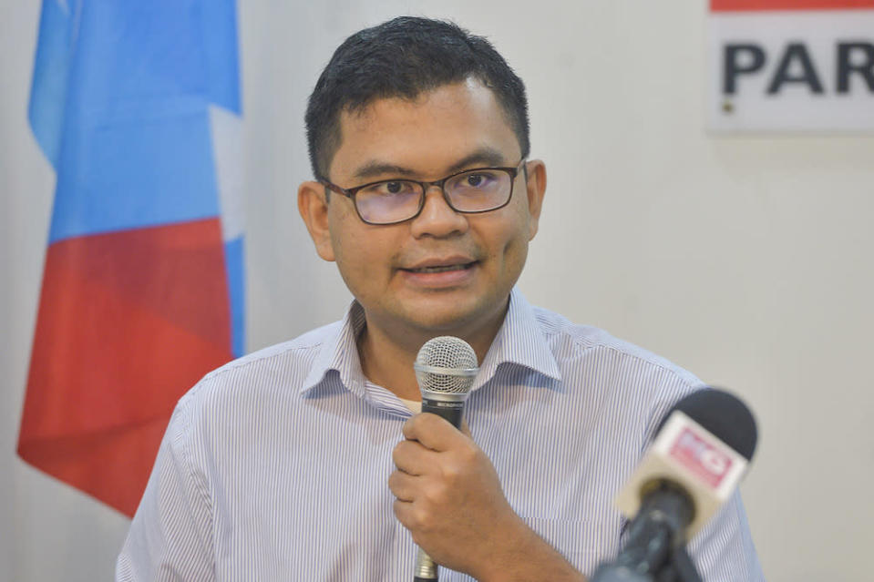 PKR Youth chief Akmal Nasir said the RM35 million could better be used to fight the Covid-19 pandemic. — Picture by Miera Zulyana