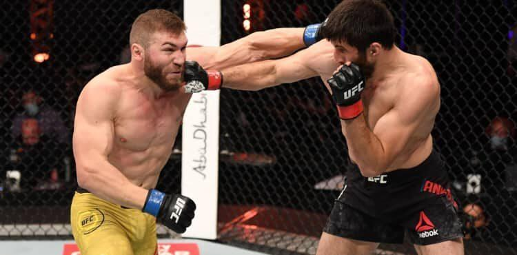Magomed Ankalaev punches Ion Cutelaba in UFC 254 Performance of the Night