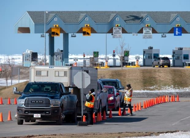 P.E.I's Department of Justice and Public Safety says about 4,000 people will be travelling into P.E.I. on June 27. (Andrew Vaughan/The Canadian Press - image credit)