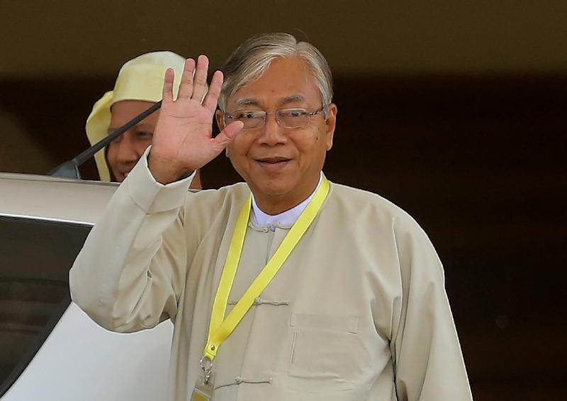 Htin Kyaw, newly elected president of Myanmar and member of the National League for Democracy (NLD) party, leaves after a parliament session in Naypyidaw on March 15, 2016 (AFP Photo/)