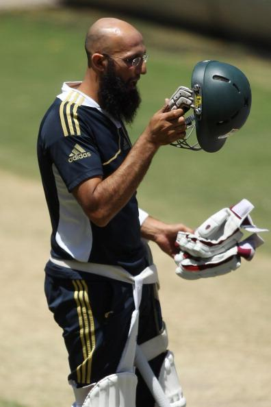 ADELAIDE, AUSTRALIA - NOVEMBER 21:  Hashim Amla in the nets during a South African Proteas training session at Adelaide Oval on November 21, 2012 in Adelaide, Australia.  (Photo by Morne de Klerk/Getty Images)
