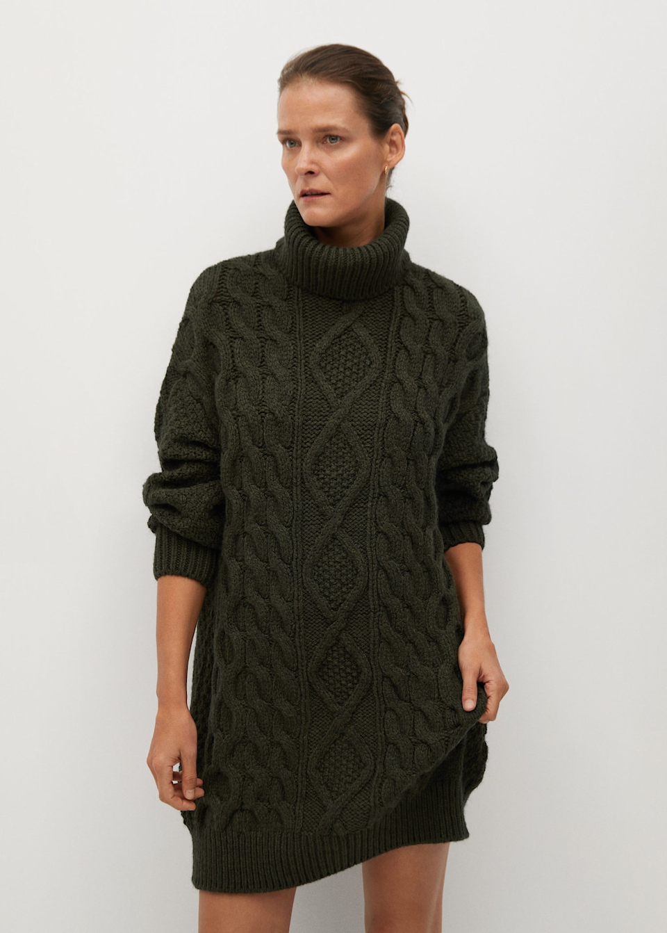 """<br><br><strong>Mango</strong> Knitted Turtleneck Dress, $, available at <a href=""""https://go.skimresources.com/?id=30283X879131&url=https%3A%2F%2Ffave.co%2F2HyG9rb"""" rel=""""nofollow noopener"""" target=""""_blank"""" data-ylk=""""slk:Mango"""" class=""""link rapid-noclick-resp"""">Mango</a>"""