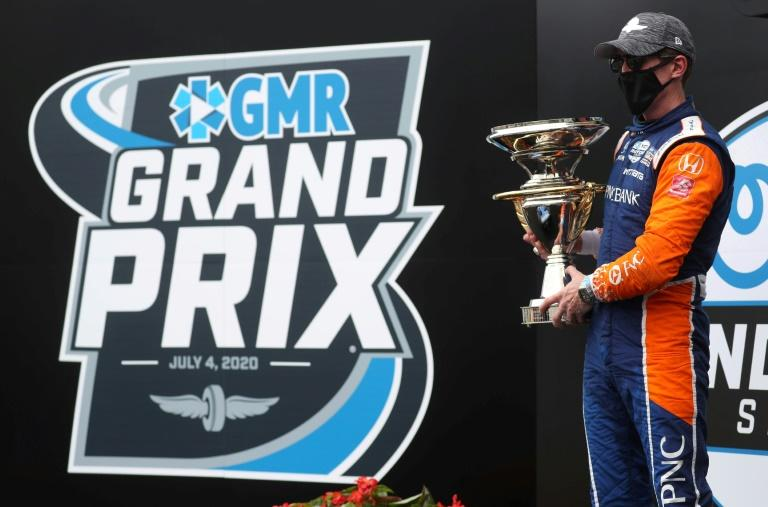 Kiwi driver Scott Dixon, of Chip Ganassi Racing, has won two successive races after claiming the IndyCar GMR Grand Prix on Saturday in Indiana
