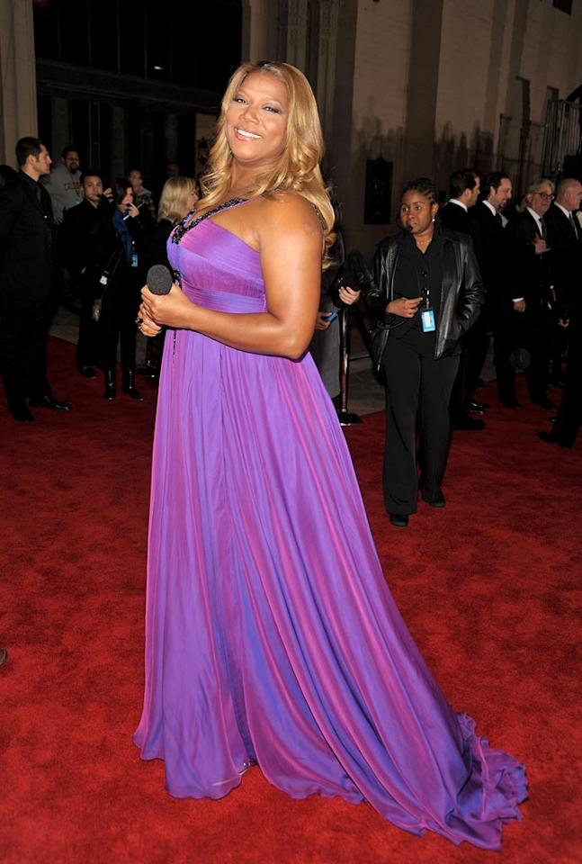 "Host <a href=""/queen-latifah/contributor/31154"">Queen Latifah</a> arrives at the 35th Annual People's Choice Awards held at the Shrine Auditorium on January 7, 2009 in Los Angeles, California."