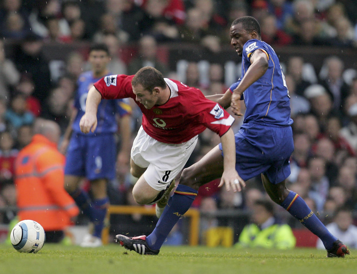 Wayne Rooney wins a penalty for Manchester United and Arsenal are denied a 50th game unbeaten. (24 October 2004)