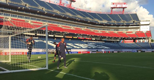 Zack Steffen trains one day before the USMNT's 2019 Gold Cup semifinal against Jamaica. (Henry Bushnell/Yahoo Sports)