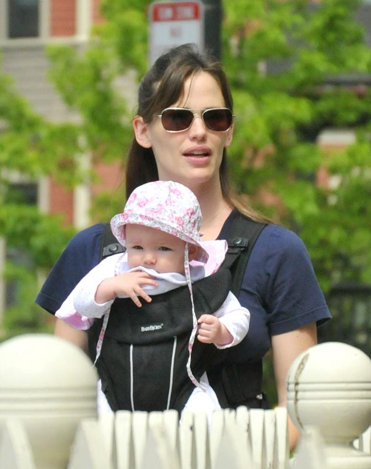 "Jennifer Garner strolls around her hubby Ben Affleck's hometown of Boston with their youngest daughter, Seraphina. Shane Conway/<a href=""http://www.splashnewsonline.com/"" target=""new"">Splash News</a> - June 7, 2009"