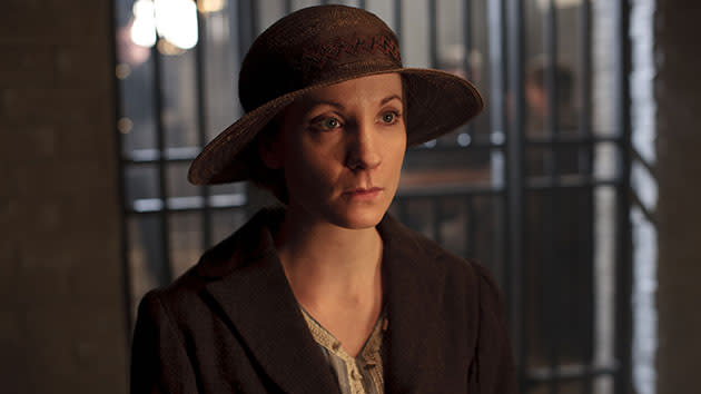 Yahoo! TV Q&A: 'Downton Abbey's' Joanne Froggatt on Anna's