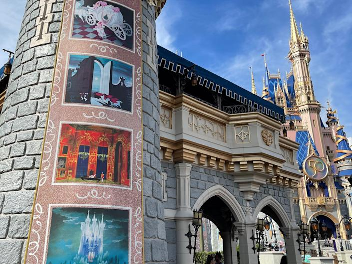Cinderella panels on the Disney World castle during the 50th anniversary