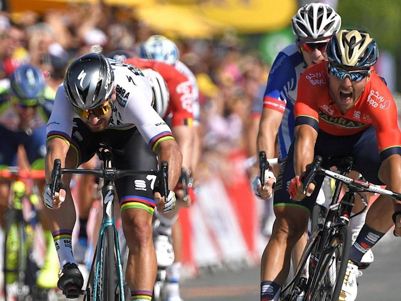 Sagan sprints to victory during the second stage (AFP/Getty Images)