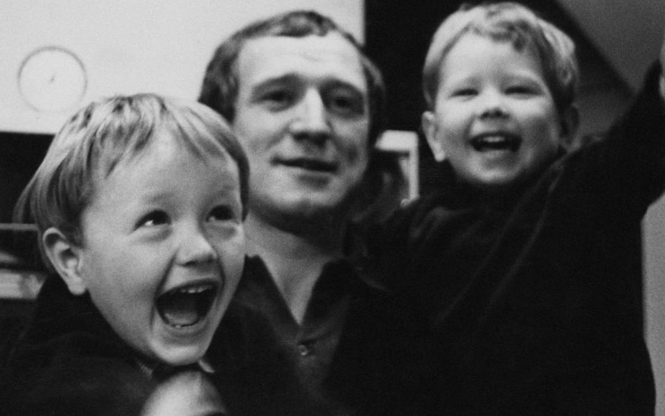Richard Harris with his sons Damian and Jared (right) in 1966 - Stephan C Archetti/Hulton Archive
