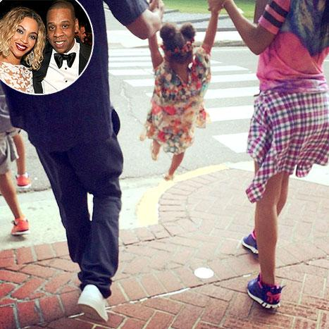 Beyonce Shares Adorable Family Photo With Blue, Jay Z Amidst Rumors of Marriage Problems: Picture