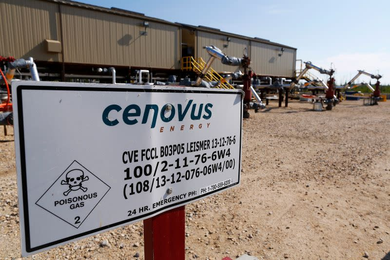 Canada's Cenovus Energy posts quarterly loss on oil price plunge