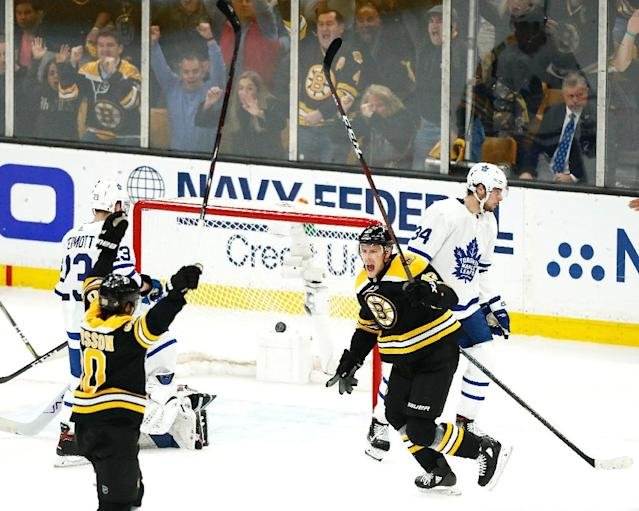 The Boston Bruins routed the Toronto Maple Leafs 5-1 to seal a 4-3 series victory (AFP Photo/Omar Rawlings)