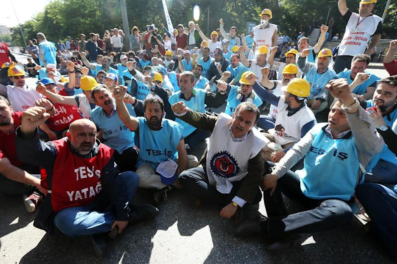 Mine workers from the Yatagan thermal power plant protest the privatization of their plant on June 12, 2014 in Ankara (AFP Photo/Adem Altan)