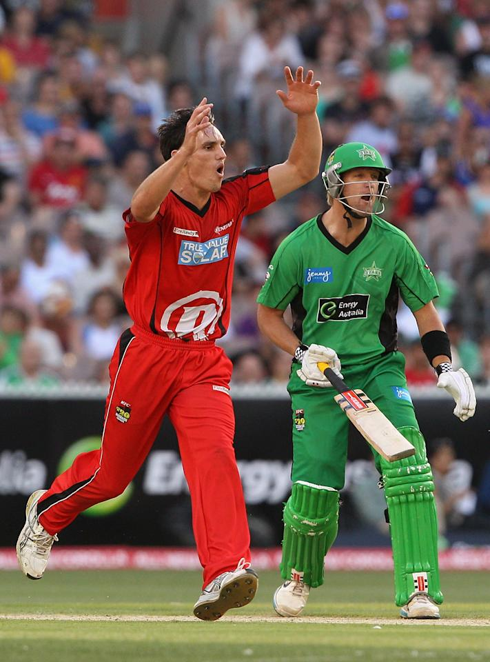 MELBOURNE, AUSTRALIA - JANUARY 06:  William Sheridan of the Renegades reacts during the Big Bash League match between the Melbourne Stars and the Melbourne Renegades at Melbourne Cricket Ground on January 6, 2013 in Melbourne, Australia.  (Photo by Robert Prezioso/Getty Images)