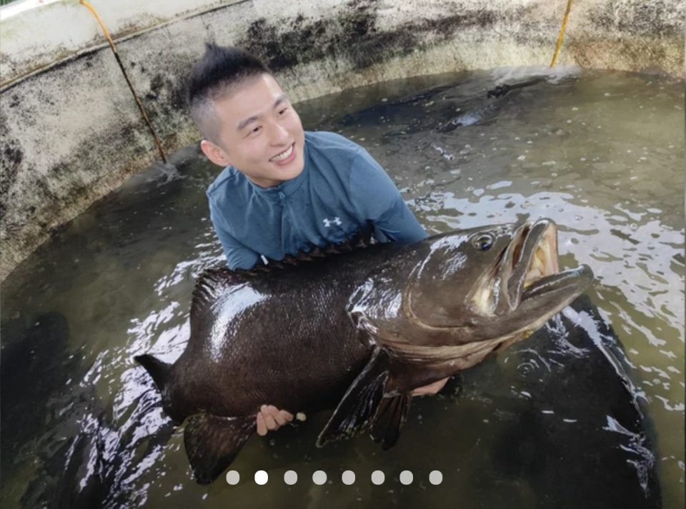 The Secrets of a Fish Farm with Seafood Bucket. PHOTO: Klook