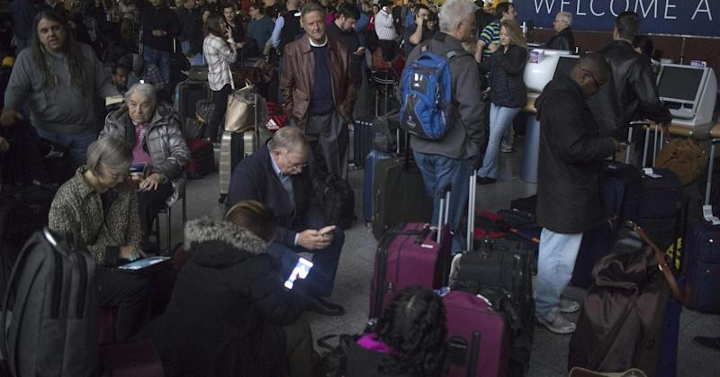 Power outage leads to ground stop for flights into Atlanta airport