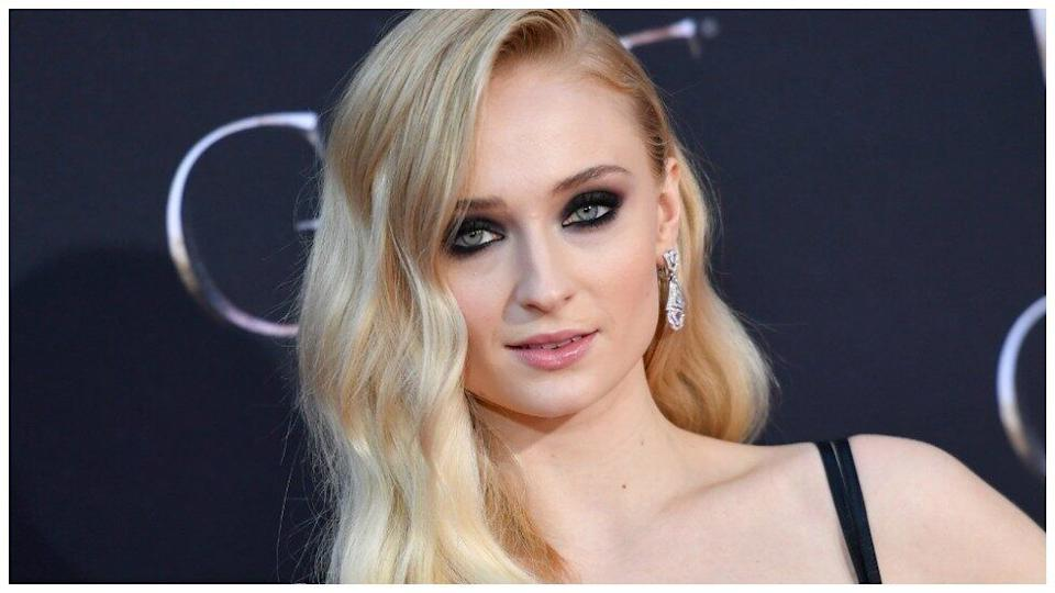 Game of Thrones fans get harsh message from sophie turner