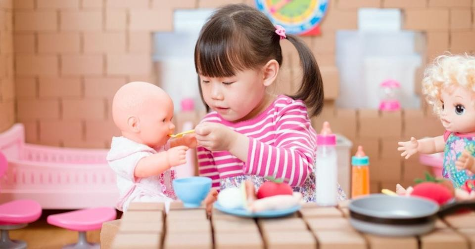 playing with dolls child development