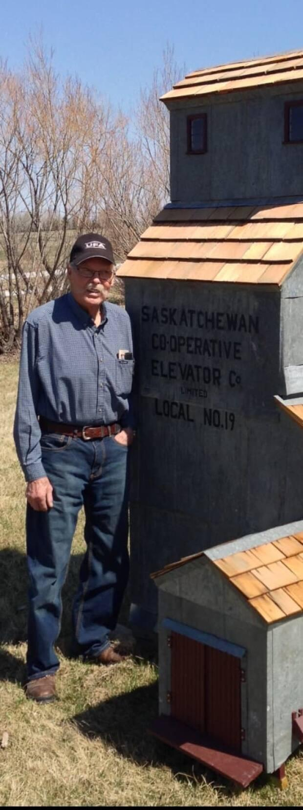 Einar Franson, 91, has been hand-building the replicas for the past 13 years or so. (Gaylene Merkel - image credit)